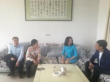 洪湖市总工会领导调研湖北宏林石化设备有限公司图片